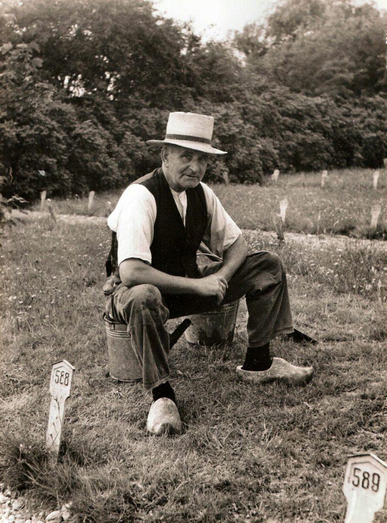 Jaap Mooi, Rouwkoetsvereniging Westerland, op het net aangelegde kerkhof Zandburen, Hippolytushoef.