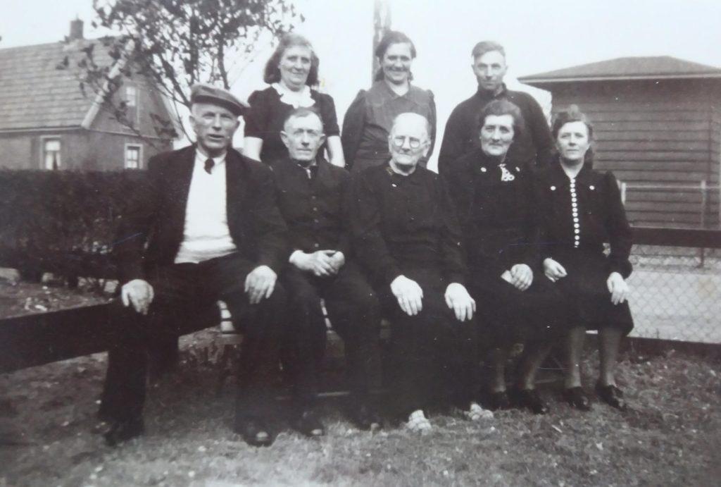 Familie Jannetje Rotgans-Halfweeg, Zandburen 43 Hippolytushoef.